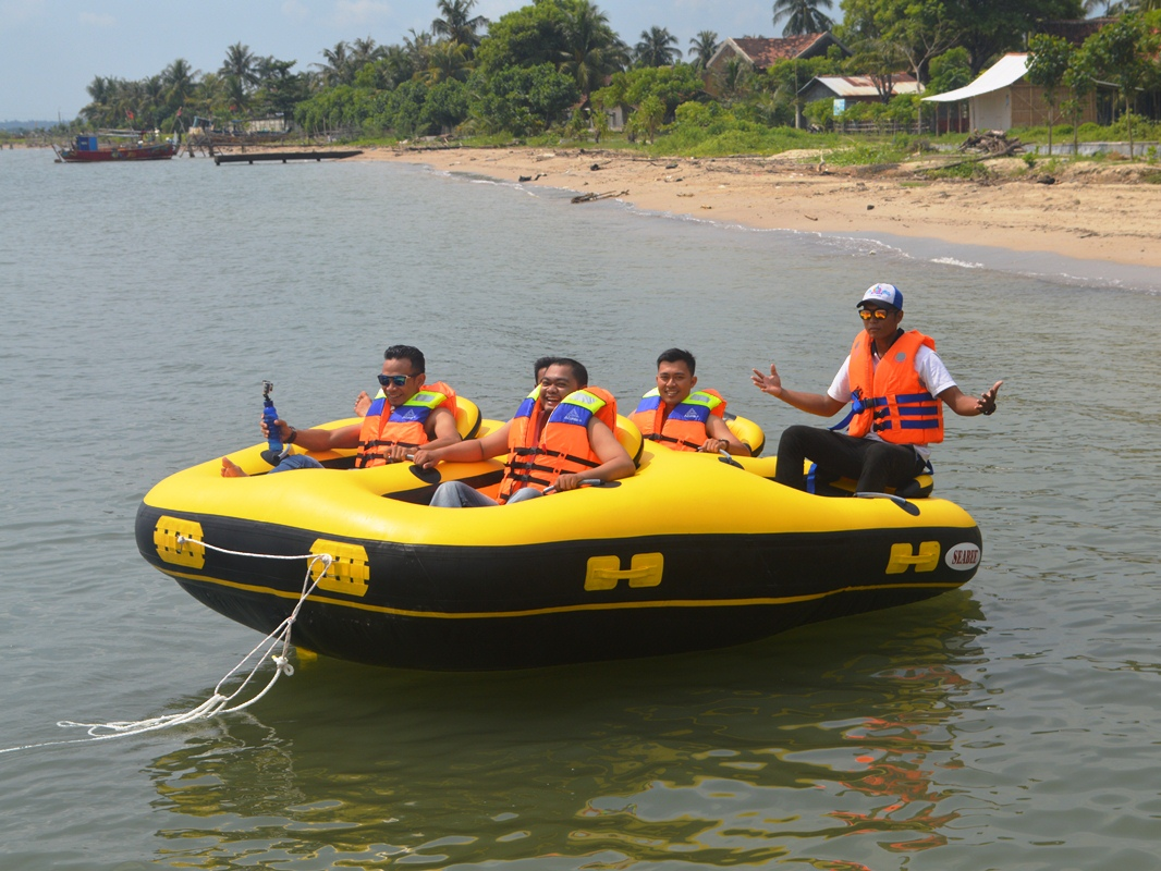 Donut Boat Jepara Ourland Park